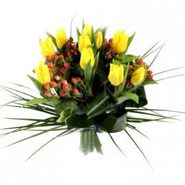 Jarná žltá kytica z tulipánov