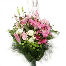 Kytica Náruč maminej lásky z ľalií, ruží, chryzantém