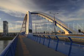 Most Apollo podvečer