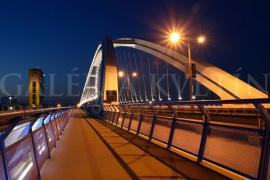 Most Apollo večer