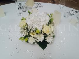 Malá svadobná ikebana na stôl