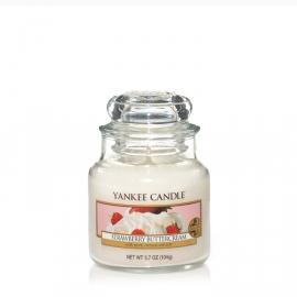 Strawberry Buttercream malá sviečka