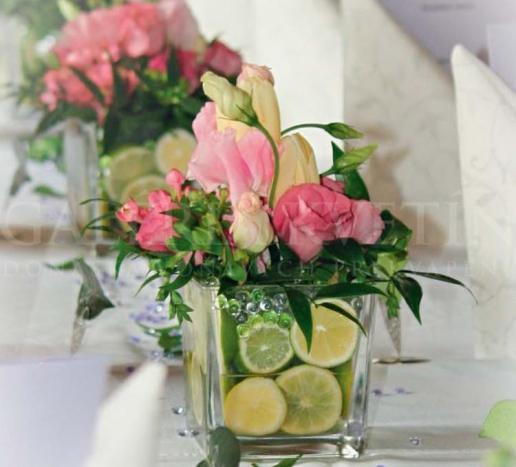 Malá ikebana na stôl Sklo