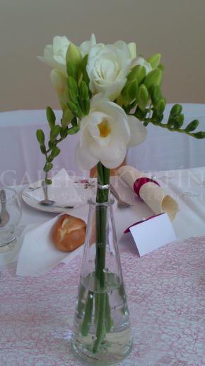 Malý aranžmán na stôl Biely
