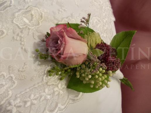 Pierko Romantická ruža
