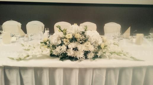 Ikebana na hlavný stôl White day