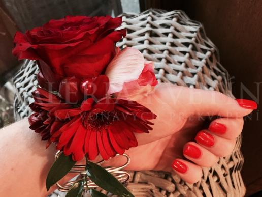 Náramok na ruku Nesmrteľná červená Galérie Kvetín