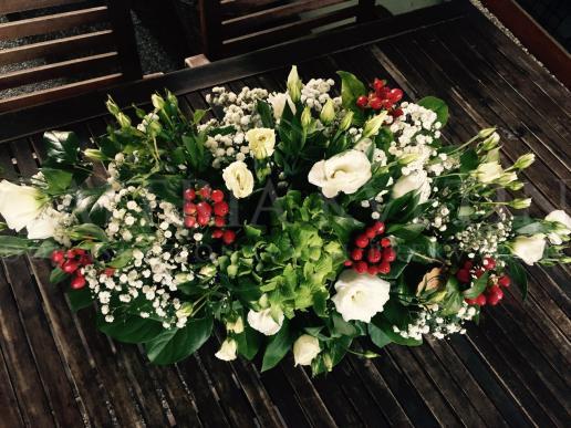 Ikebana na hlavný stôl Lesný kvetinkový aranžmán
