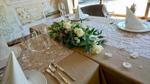 Ikebana na hlavný stôl Biele lekno