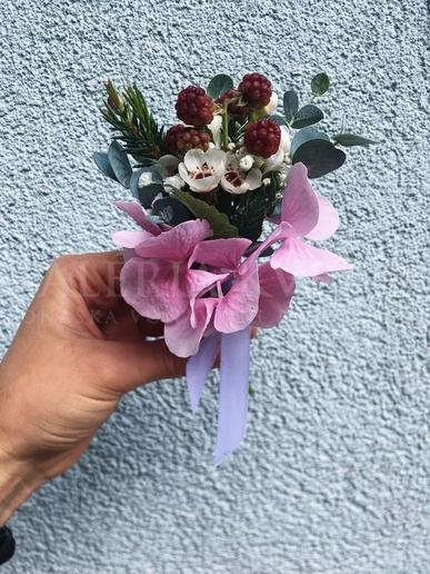 Pierko pre ženícha Ružové leto v černiciach